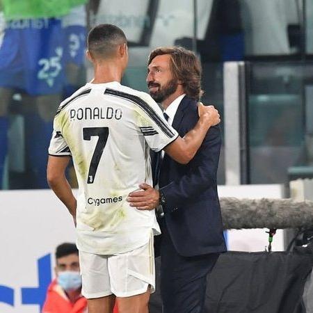 Cristiano Ronaldo e Pirlo em ação pela Juventus - GettyImages