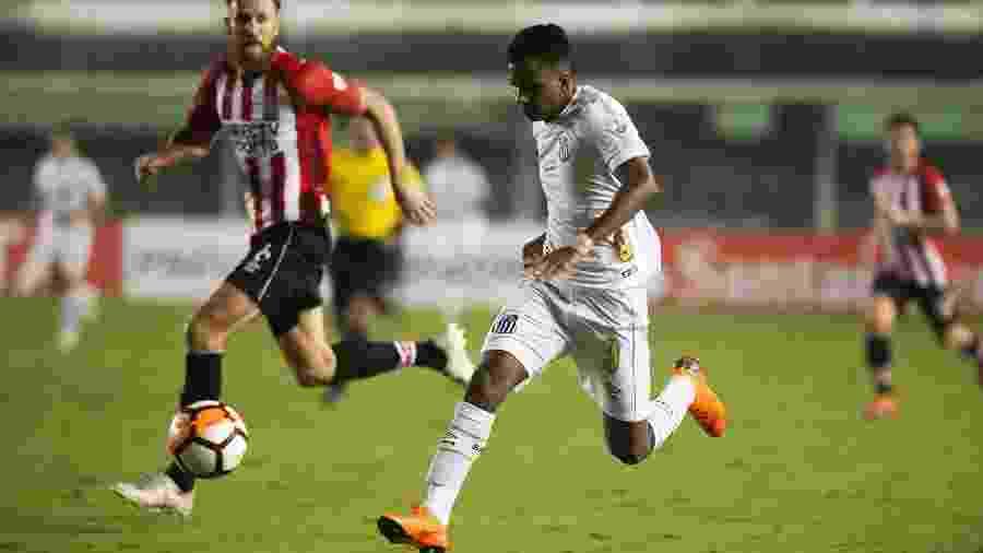 Desde que virou titular, Rodrygo nunca disputou uma partida inteira pelo Santos - false