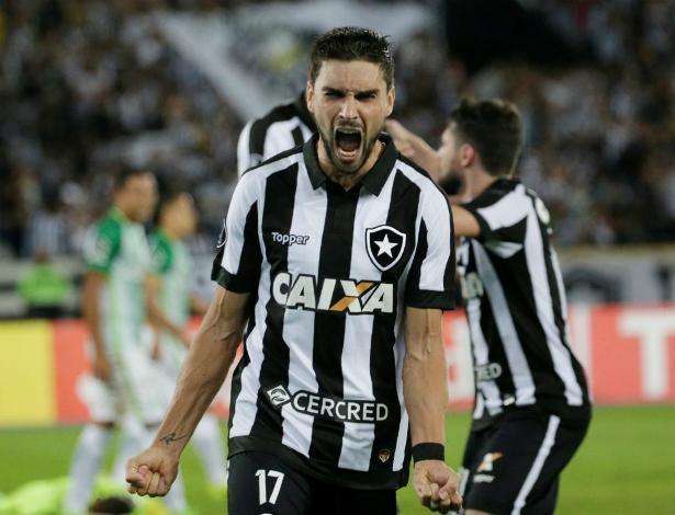 Revelado no futebol paranaense, Rodrigo Pimpão é talento do Botafogo