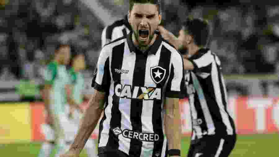 Pimpão se emociona após gol da classificação e provoca Flamengo ... e02745db57c35