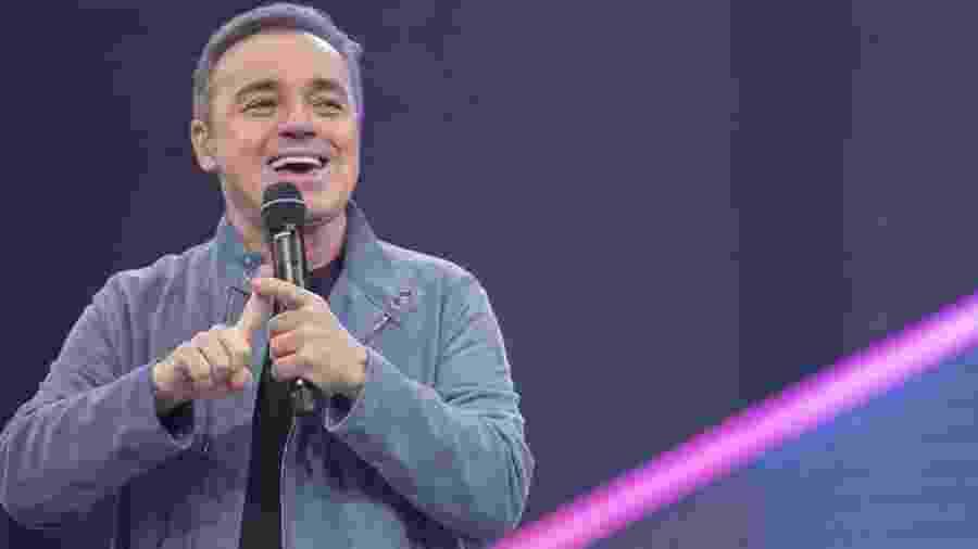 Gugu Liberato apresenta o Canta Comigo, um de seus últimos trabalhos na TV  - Reprodução / Record TV