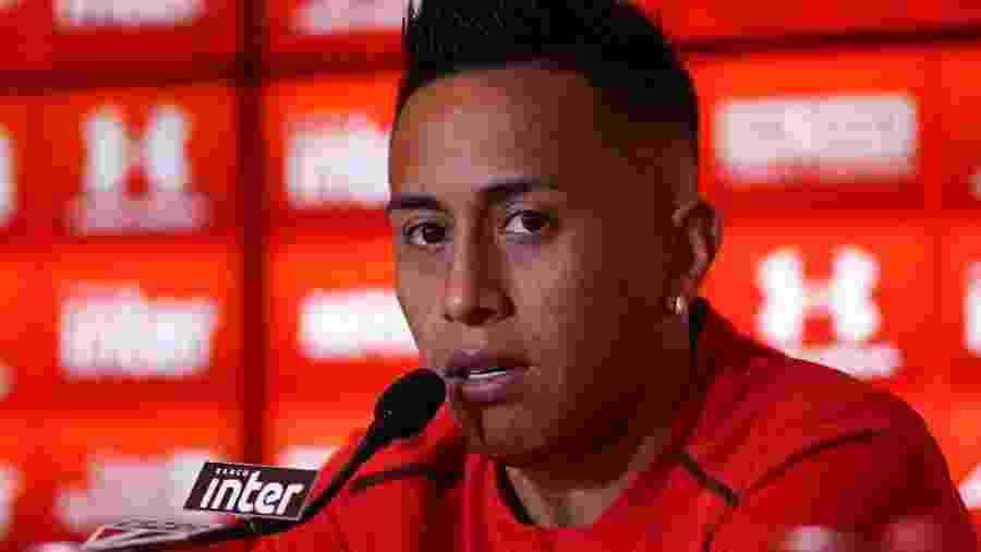 Cueva tem sofrido com críticas da torcida e até dentro do elenco - Jales Valquer/Estadçao Conteúdo