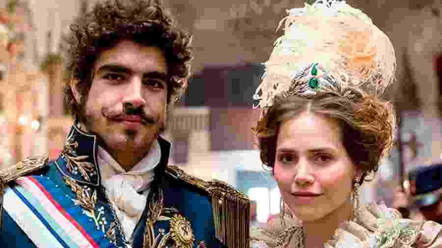 Dom Pedro (Caio Castro) e Leopoldina (Letícia Colin) em Novo Mundo (Foto: Reprodução/TV Globo) - Reprodução / Internet