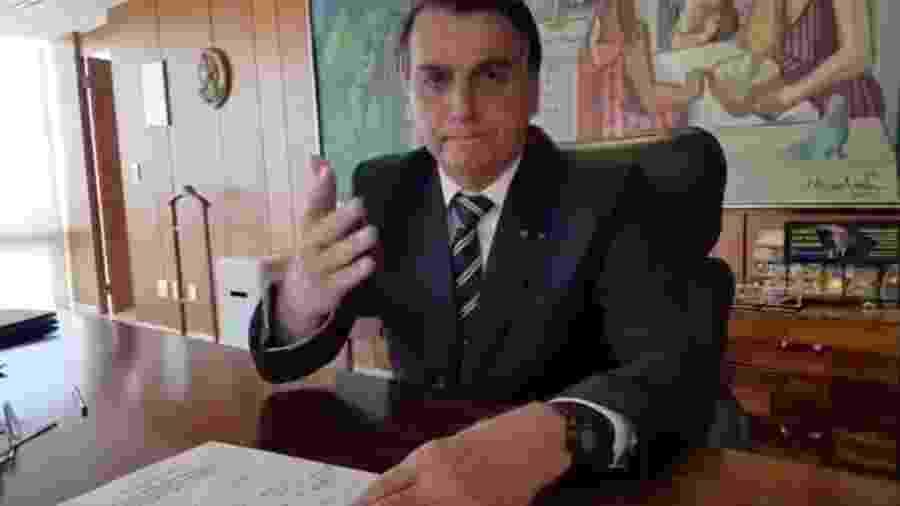 Bolsonaro nega cortar benefício de idoso carente - Reprodução/Facebook