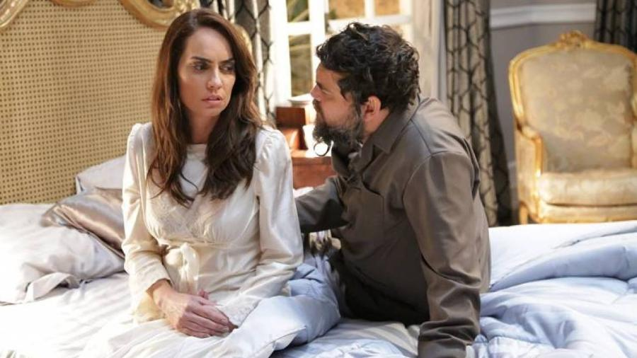 Adriana Prado e Cláudio Gabriel como Hanna e Saulo em Apocalipse (Divulgação / Record TV) - Reprodução / Internet