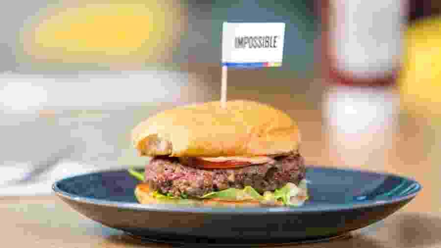 Hambúrguer da Impossible Foods: parece carne, mas é comida ultraprocessada - Impossible Foods