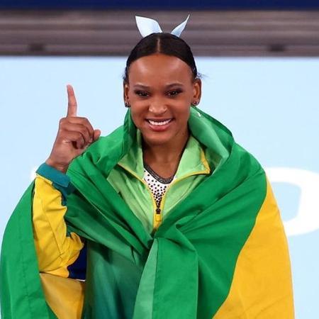 Rebeca Andrade: duas medalhas e representante do Brasil na cerimônia de encerramento dos Jogos Olímpicos de Tóquio - Reprodução