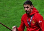United pode propor contrato a Ibrahimovic se sueco se recuperar, diz jornal