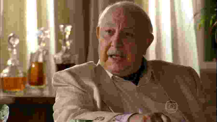 Dionísio (Sérgio Mamberti) em Flor do Caribe (Reprodução/TV Globo). - Reprodução / Internet