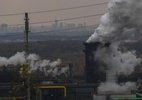 Uma cúpula virtual para falar do clima sem pegada de carbono - (Patrik STOLLARZ / AFP)