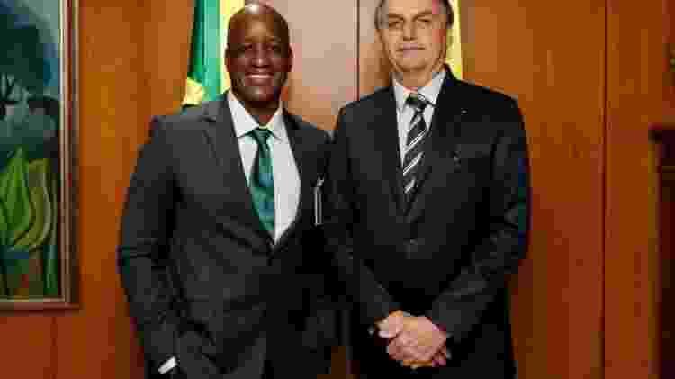 Bolsonaro_Camargo - Reprodução/Facebook - Reprodução/Facebook