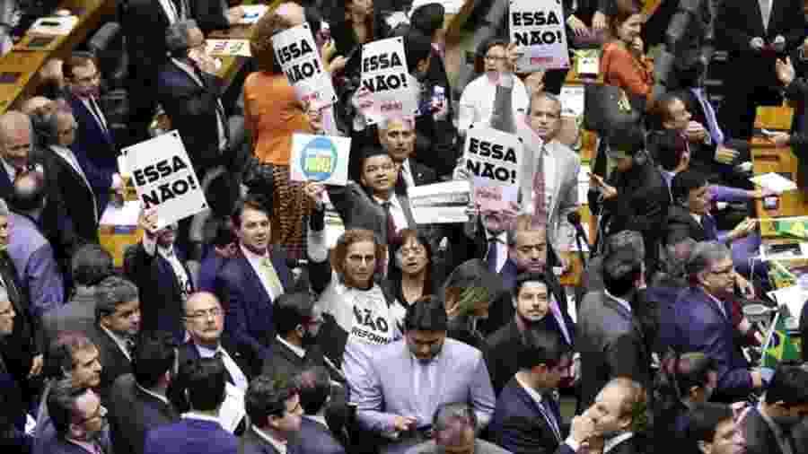 Apesar dos protestos da oposição, reforma da Previdência foi aprovada por ampla margem no plenário da Câmara. Foto:Michel Jesus/Câmara dos Deputados