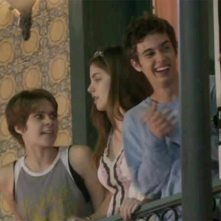 Karina (Isabella Santoni), Bianca (Bruna Hamú) e João (Guilherme Hamacek) em Malhação - Sonhos (Reprodução / Globo) - Reprodução / Internet
