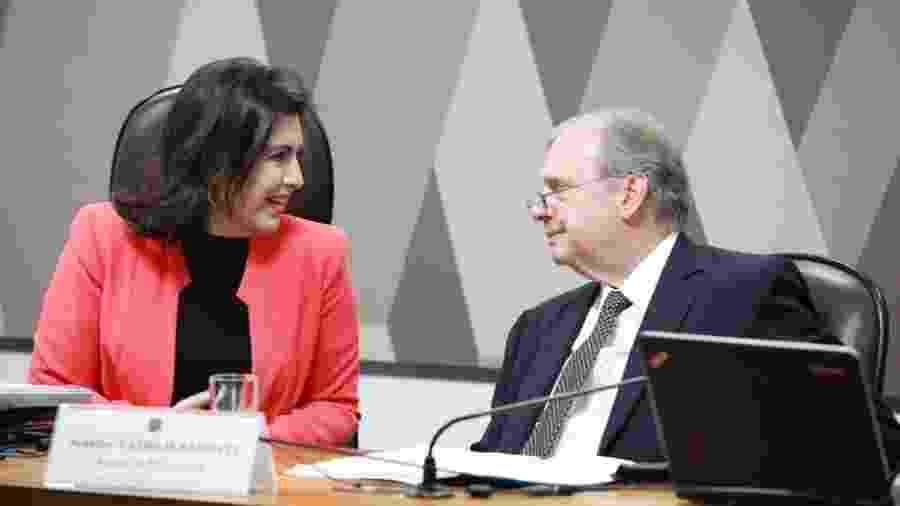 A presidente da CCJ, Simone Tebet, e o relator, Tasso Jereissati, na abertura da reunião para votar a reforma da Previdência - Paulo Castello