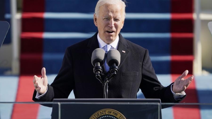 Biden assina decretos sobre clima, imigração e energia em primeiro dia no cargo -                                 POOL / GETTY IMAGES NORTH AMERICA / GETTY IMAGES VIA AFP