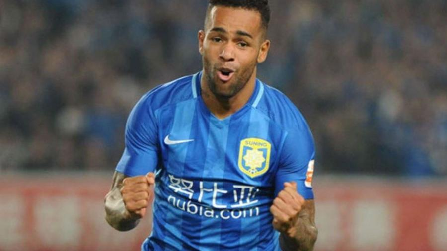 e22757cbe2a70 Vasco sonha com Alex Teixeira e projeta pré-contrato para 2020 ...