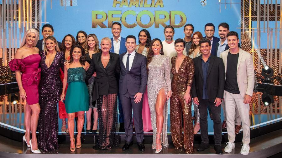 """O elenco do """"Família Record"""" no ano passado - Divulgação/RecordTV"""