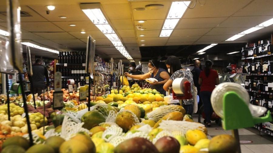 Sete dos 9 grupos de produtos e serviços do IPCA têm alta em novembro -                                 TâNIA REGO/AGêNCIA BRASIL
