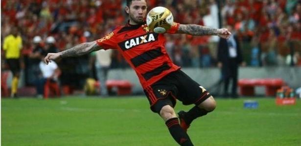 Menas deu cinco assistências e fez um gol, seu primeiro no Brasil, nos últimos jogos