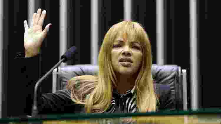 Flordelis adotou 37 crianças de uma só vez, após uma chacina na Central do Brasil, no Rio - Celia Viana / Câmara - Celia Viana / Câmara