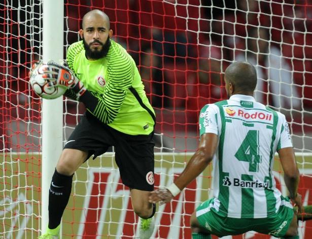 Danilo Fernandes é importante peça na arrancada do Internacional na Série B