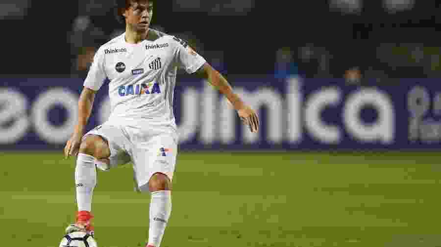Victor Ferraz não treina nesta terça-feira por causa de dores nas costas e na perna - Marco Galvão/FotoArena/Estadão Conteúdo