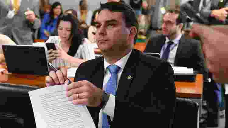 Filho do presidente do Brasil, Flavio Bolsonaro tem sido associado com milicianos no Rio de Janeiro - Marcos Oliveira/Agência Senado - Marcos Oliveira/Agência Senado