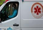 Hospitais de Curitiba registram filas de espera após lotação de leitos