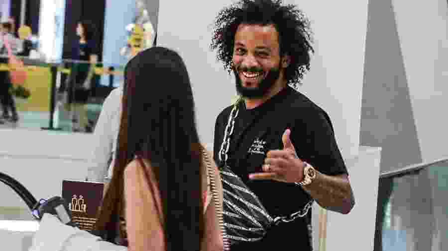 Lateral esquerdo Marcelo, do Real Madrid, em shopping do Rio de Janeiro durante suas férias - Marcelo jogador do Real Madrid em shopping no Rio (Foto: Pablo Luquez / AgNews)