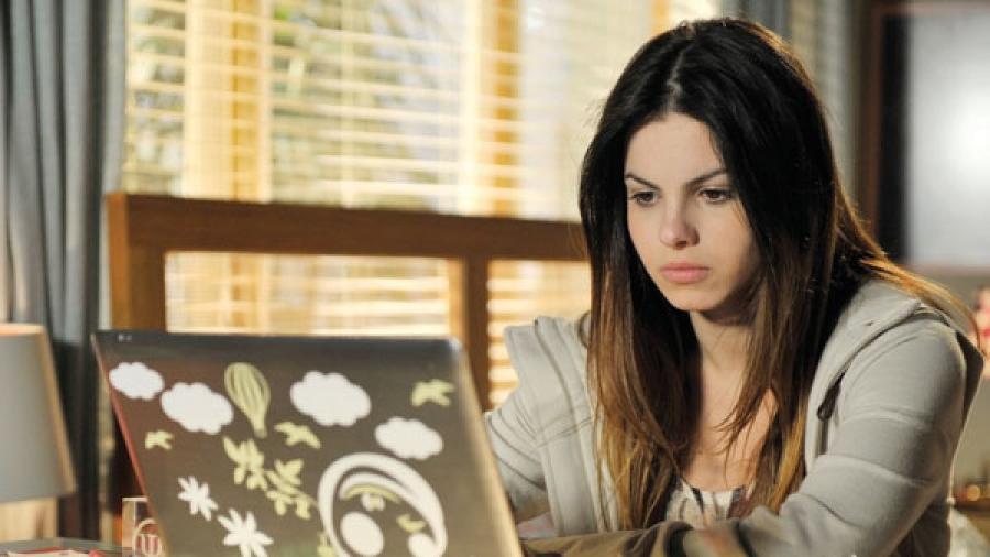 Sthefany Brito como Alice em A Vida da Gente (Divulgação / Globo) - Reprodução / Internet