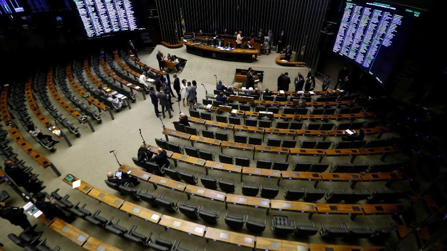 Parlamentares criticam a equipe econômica por fazer projeções conservadoras de Previdência para ao final do ano se mostrarem mais baixas  - Adriano Machado/Reuters