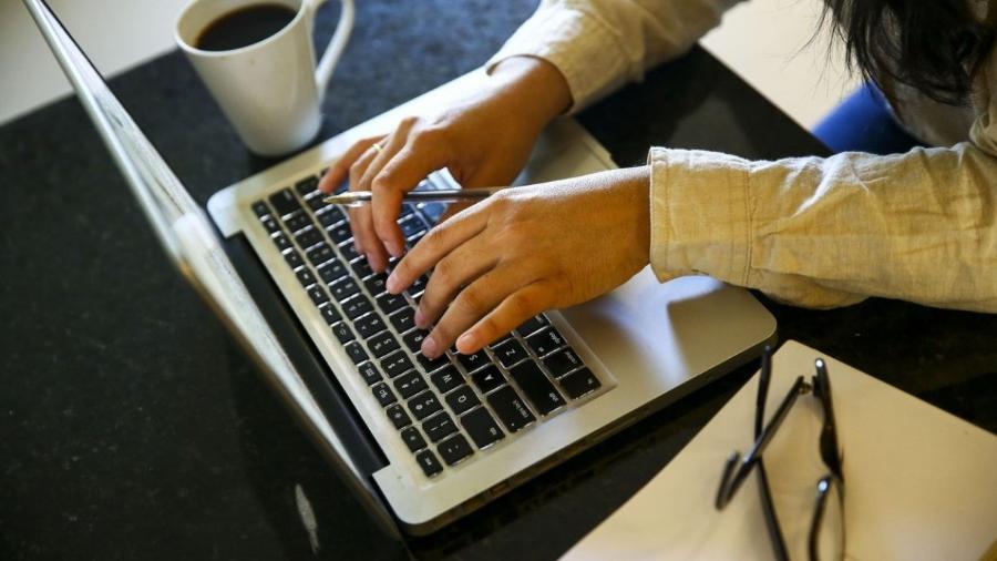 Funcionários nem sempre sabem da existência de softwares de monitoramento em seus computadores - Marcelo Camargo/Agência Brasil
