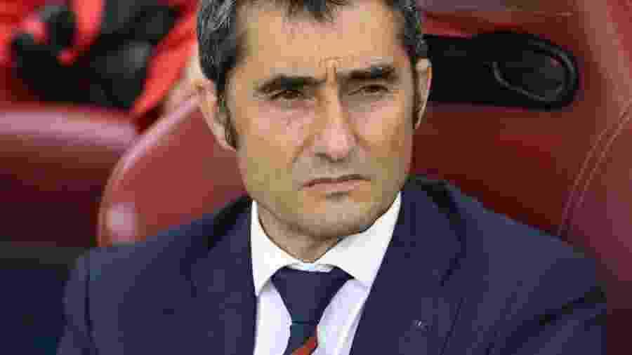 Você acha que o técnico Ernesto Valverde, do Barcelona, parece com a atriz Ísis Valverde? nããããããão... - Facebook/Athletic Bilbao