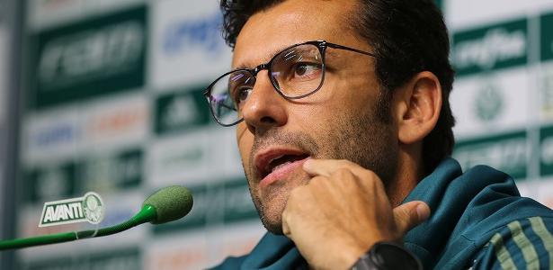 Alberto Valentim negou deixar o Palmeiras com qualquer ressentimento