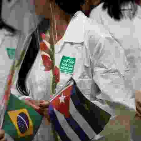 Médicos desligados do programa que ficaram no Brasil podem se reinscrever - Reuters