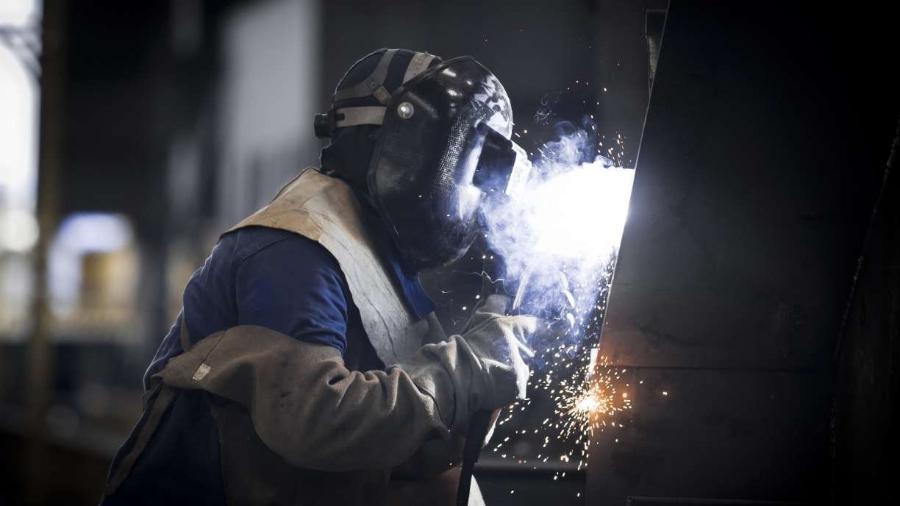 A produção industrial brasileira registrou alta de 2,6% em setembro - Por Camila Moreira e Rodrigo Viga Gaier