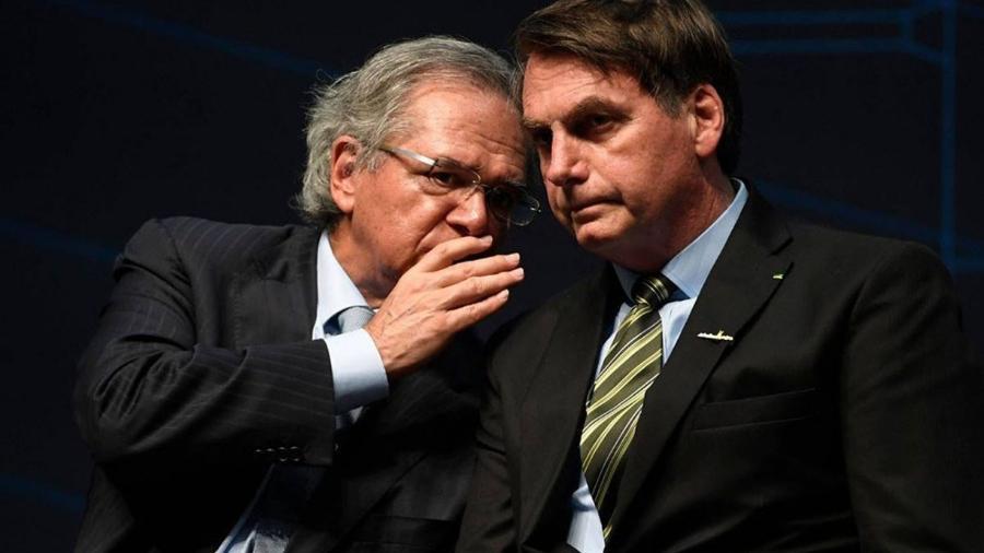 Ministério da Economia Paulo Guedes e presidente Jair Bolsonaro                              - MAURO PIMENTEL / AFP