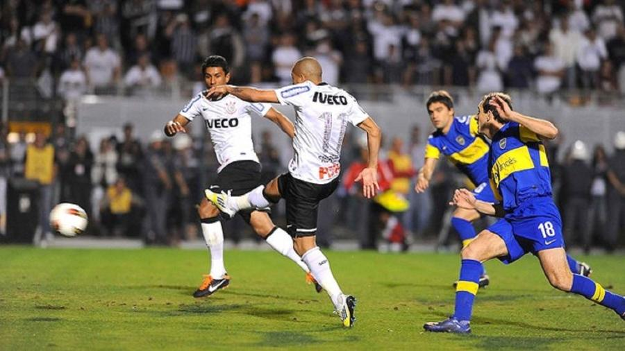 Corinthians e Boca Juniors na final da Libertadores em 2012 (Foto: Divulgação/TV Globo) - Reprodução / Internet