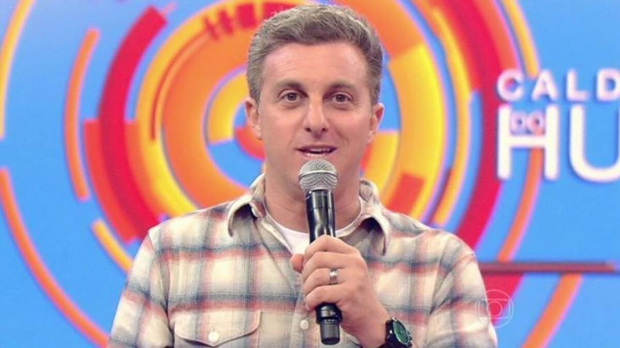 """Luciano Huck no comando do """"Caldeirão do Huck"""" - Reprodução/TV Globo"""