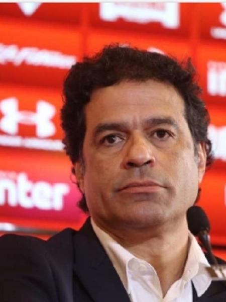 Executivo de futebol do São Paulo, Raí critica atuação de Jair Bolsonaro diante da covid-19 e sugere que presidente deveria pedir renúncia para evitar o processo de impeachment                              -                                 Rubens Chiri/Saopaulofc.net