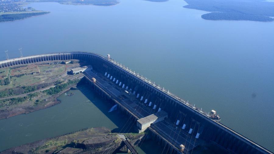 Chanceler paraguaio recebe documentação sobre Tratado de Itaipu -  International Hydropower Association