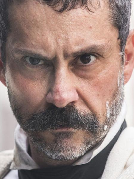 O vilão Tonico Rocha (Alexandre Nero) em Nos Tempos do Imperador  - Reprodução / Globo