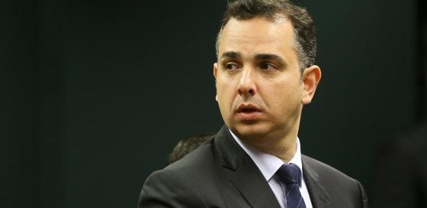 O presidente da Comissão de Constituição e Justiça (CCJ), Rodrigo Pacheco (PMDB-RJ)