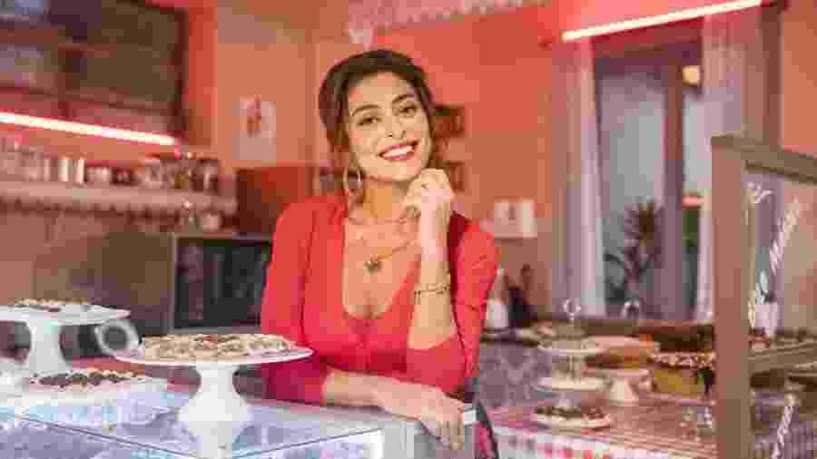 Maria da Paz (Juliana Paes) na primeira confeitaria em A Dona do Pedaço (Divulgação/ TV Globo) - Maria da Paz (Juliana Paes) na primeira confeitaria em A Dona do Pedaço (Divulgação/ TV Globo)