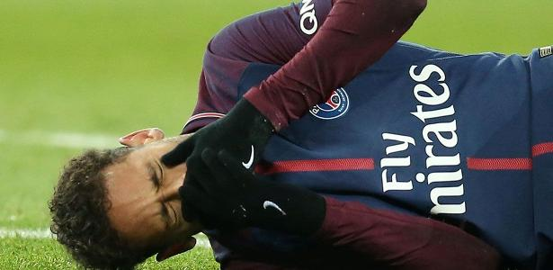Neymar deve seguir para Belo Horizonte na sexta, onde ocorrerá o procedimento cirúrgico