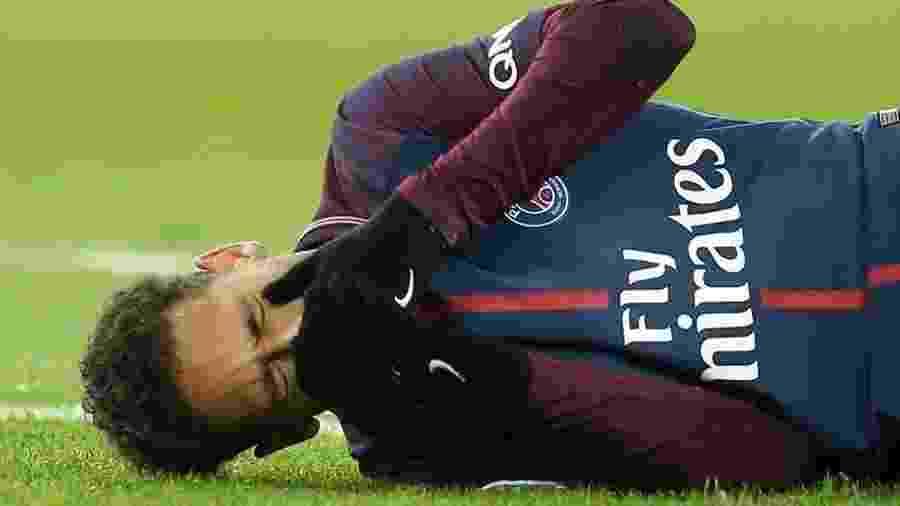 Neymar deve seguir para Belo Horizonte na sexta, onde ocorrerá o procedimento cirúrgico - Stephane Mahe/Reuters
