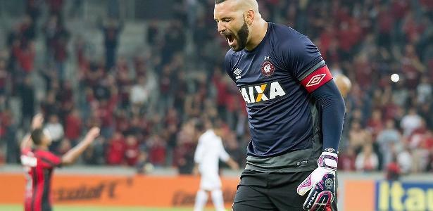 Weverton já pode legalmente assinar contrato com qualquer equipe para atuar a partir de maio de 2018 - Guilherme Artigas/Estadão Conteúdo