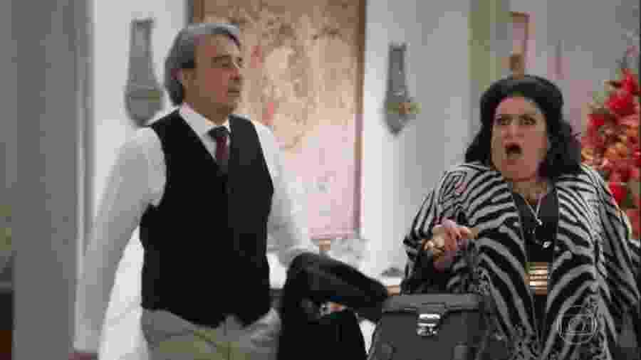 Aparício (Alexandre Borges) e Teodora (Grace Gianoukas) em Haja Coração (Reprodução/TV Globo). - Reprodução / Internet