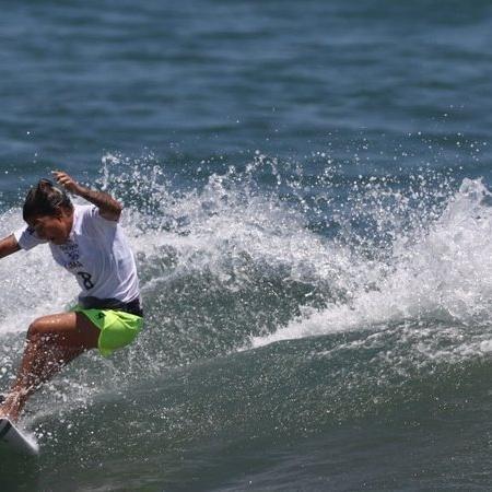 Tatiana Weston-Webb e Silvana Lima avançam às oitavas e Brasil domina estreia do surfe - GettyImages