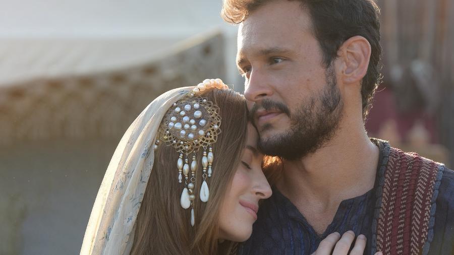 Rebeca (Bárbara França) e Isaque (Guilherme Dellorto) em Gênesis - Divulgação/Record TV